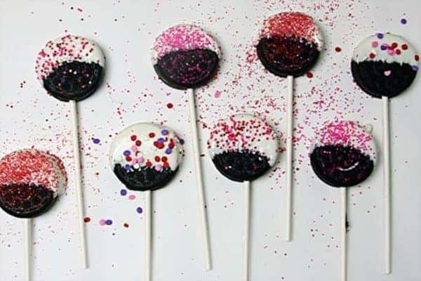 """Valentine's Day Oreo Pops are so easy I'm not sure they count as a """"recipe""""!"""