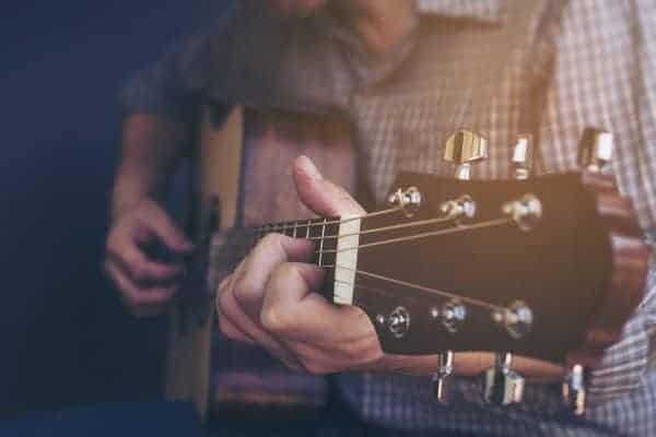 dạy dàn guitar ukulele trung tâm guitara