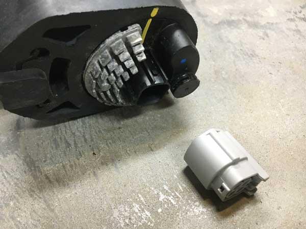 Tesla water pump connector