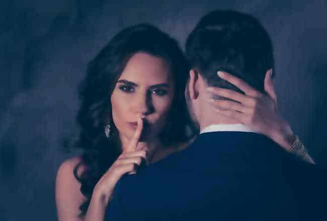 Ma femme baisée en cam
