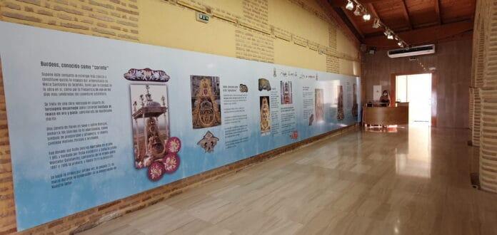 Inaugurada la Exposición 'Bajo tu manto, Lora se ampara' en la Sala El Bailío, incluida en la programación cultural 'Lora con su Patrona'
