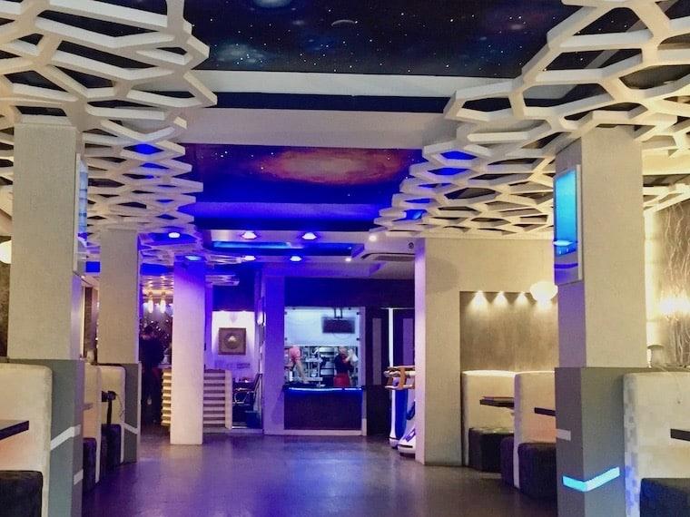 Naulo, das Roboter-Restaurant von Kathmandu