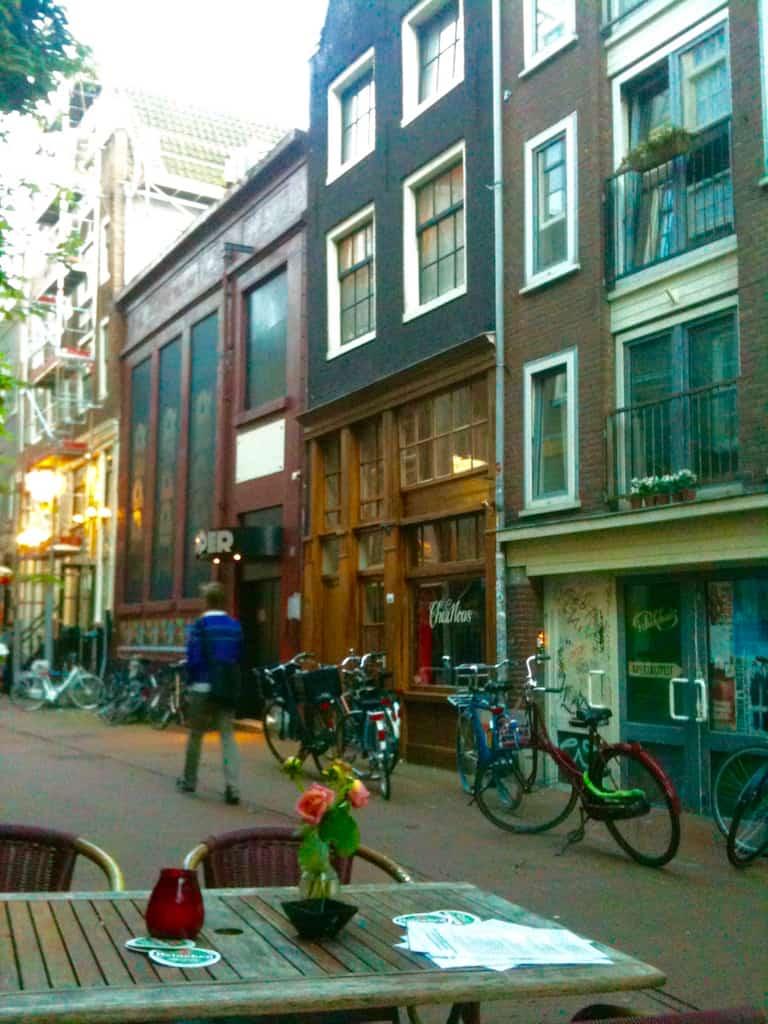 Ohne Begleitung essen ist in der niederländischen Hauptstadt kein Problem
