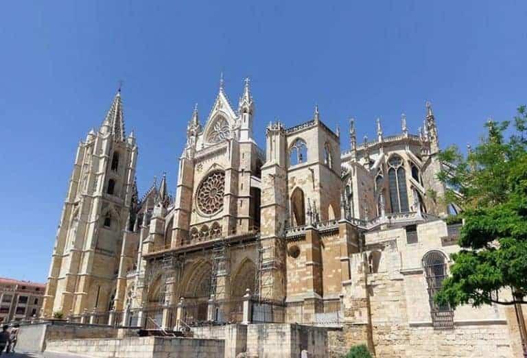 Catedral de León - Qué ver en León, españa