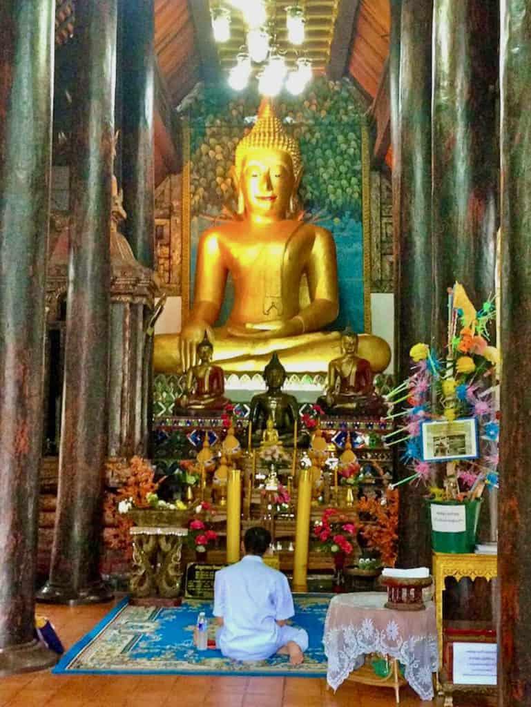 Buddha im Wat Umongmahatheratchan
