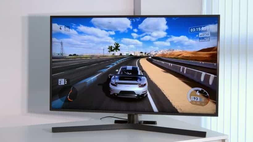 Samsung RU7405 con videojuegos