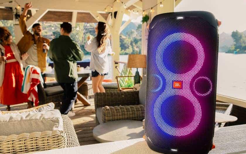 Altavoz portátil para fiestas JBL PartyBox 110 con efectos de luces y 160W de potencia