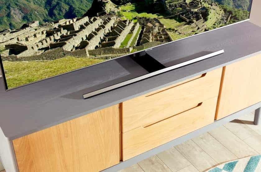 Diseño de la peana del TV Q70T QLED de Samsung