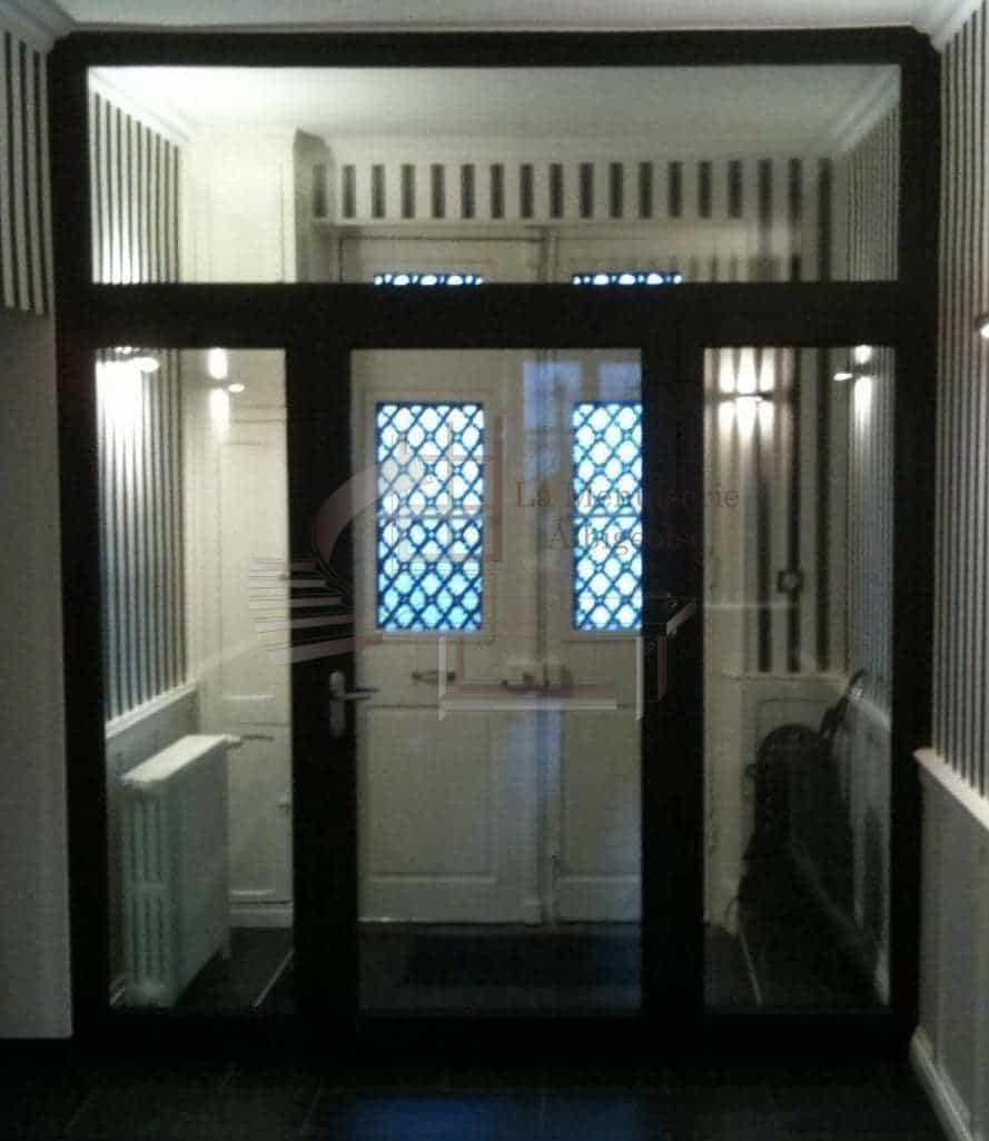Porte intérieure vitrée de hall d'entrée
