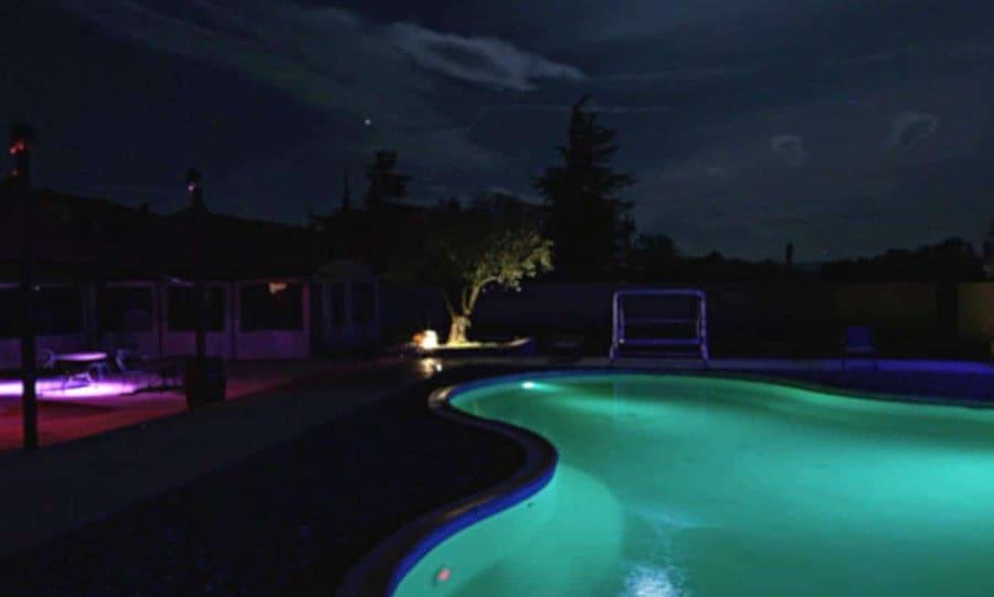 Imaginez les soirées endiablées autour de cette piscine !
