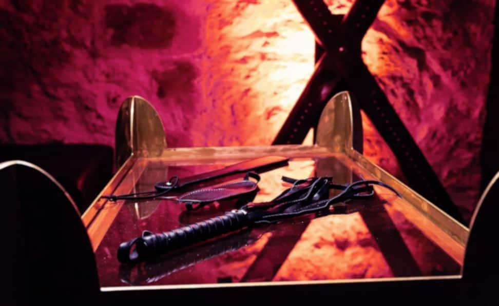 Un coin réservé aux jeux BDSM ravira Maîtres et soumises