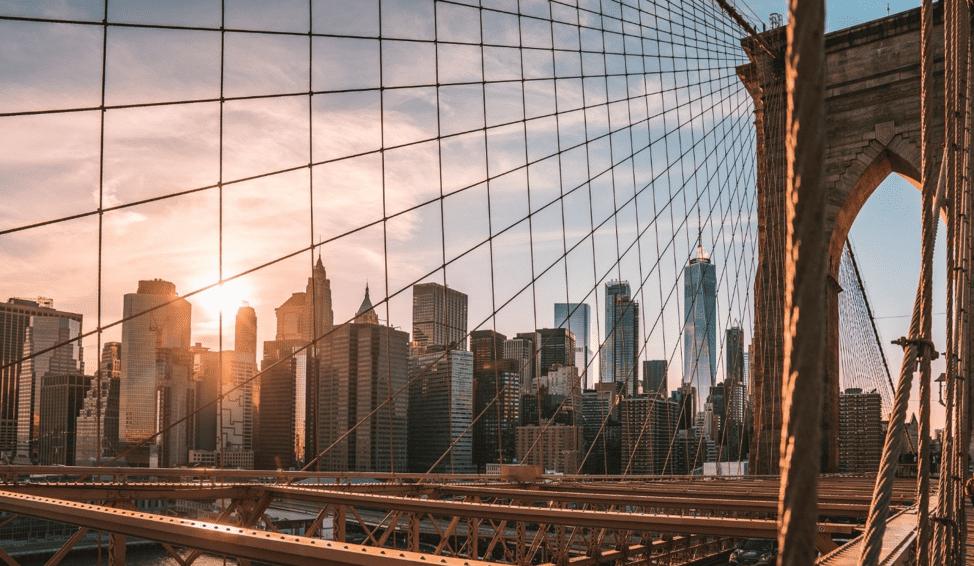 À New York, un réseau à faible consommation d'énergie de capteurs intelligents surveille et optimise tout, des niveaux de déchets dans les poubelles à la qualité de l'air.