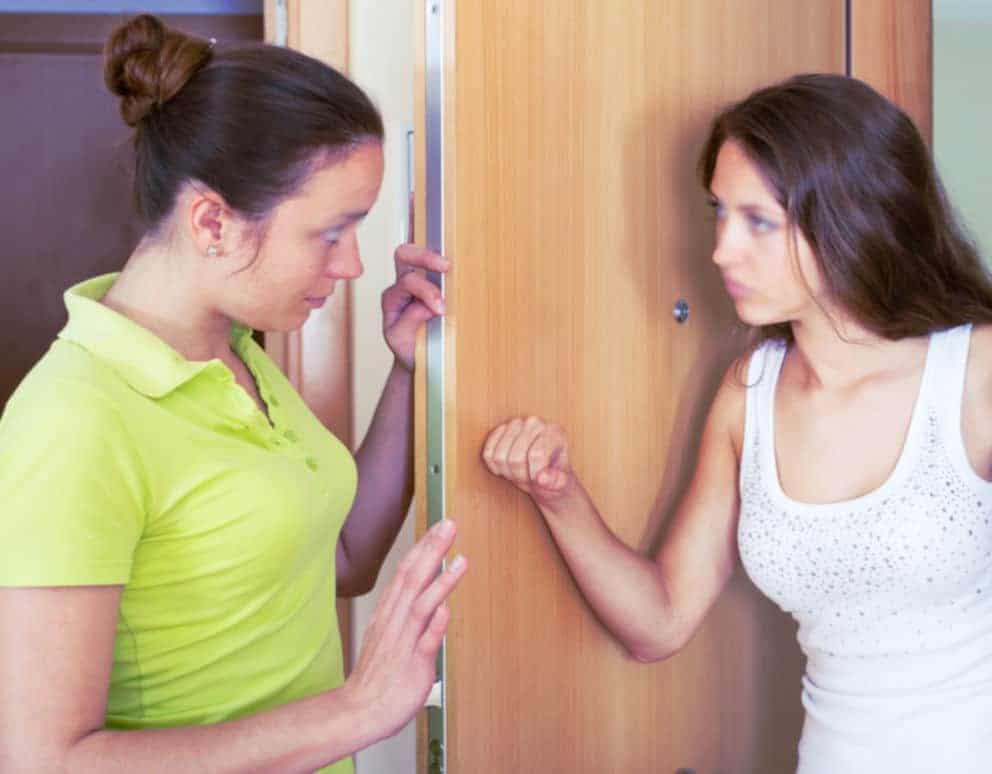 Comment gérer ses voisines trop ouvertes aux plans cul ?