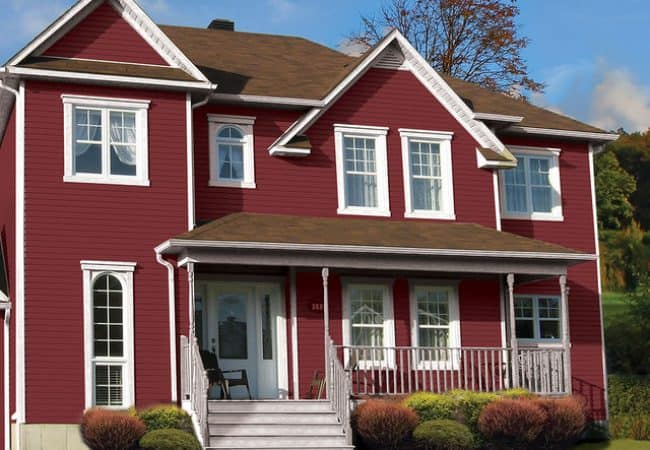 DaVinci Vinyl Siding House in Cabot Red