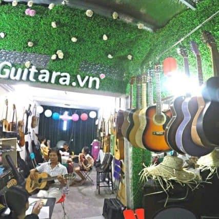 buổi học đàn của trung tâm guitara